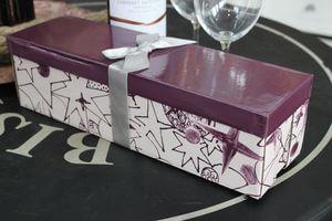 Fialová darčeková krabica na víno 34cm