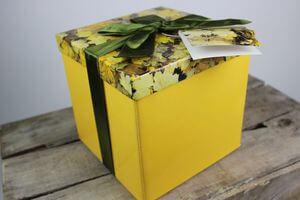 Žltá darčeková krabica 10cm