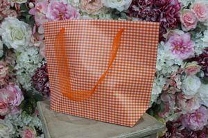 Oranžová károvaná darčeková taška 31cm