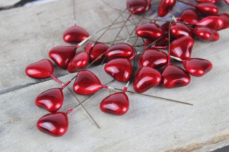Červené srdcia s drôtom 36 ks