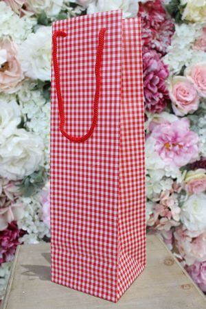 Červená károvaná darčeková taška 36cm