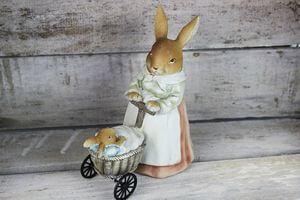 Veľkonočná pani zajačica s kočíkom 18cm