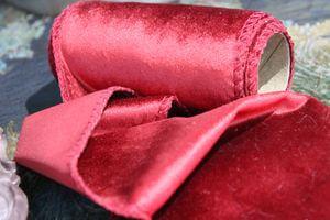 Červená zamatová stuha 12cm x 2m