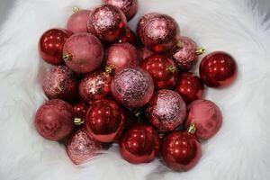 Červené a ružové plastové vianočné gule 6cm 30ks