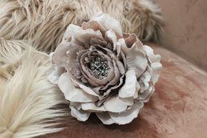 Staroružový kvet pivonky poglitrovaný 14cm