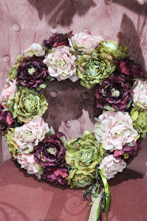 Ružovo zelený veniec na dvere 50cm