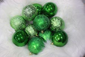Zelené plastové vianočné gule 8cm 12ks