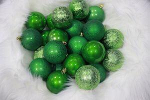 Zelené plastové vianočné gule 6cm 30ks
