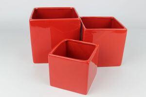 Červený keramický hranatý kvetináč 14 cm