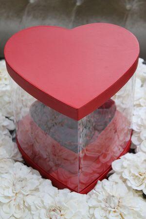 Červený kvetinový flower box v tvare srdca 26cm