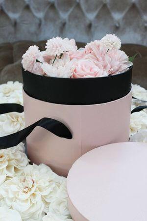 Ružový kvetinový flower box v tvare valca 22cm