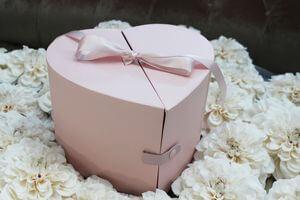 Ružový kvetinový flower box v tvare srdca 24cm