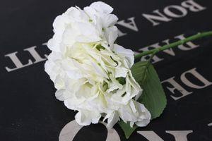 Biela umelá hortenzia na zelenej stonke 34cm