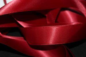 "Červená,,Cherry"" saténová stuha 2cm 50m"