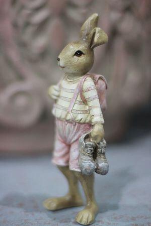 Ružovo odetý zajačik s topánkami v labke 15cm