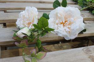 Biela umelá divá ruža s krémovým stredom 106cm