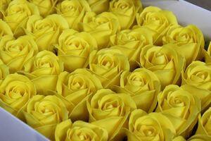 Žlté mydlové ruže 50ks 6cm