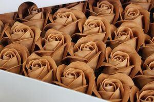 Bledohnedé mydlové ruže 50ks 6cm