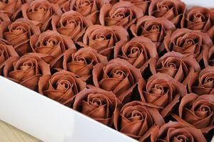 Hnedé mydlové ruže 50ks 6cm