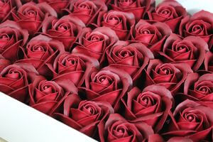 Bordové mydlové ruže 50ks 6cm