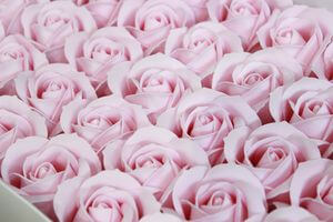 Bledoružové mydlové ruže 50ks 6cm