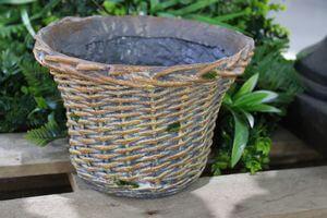 Hnedý keramický kvetináč v dizajne košíka 16cm