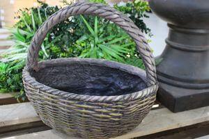Hnedý keramický kvetináč v dizajne košíka 35cm