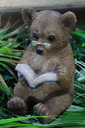 Hnedý medvedík študent s knihou 17cm
