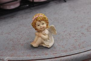 Krémová sediaca soška anjela  2-set 6cm