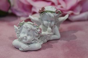 Biele sošky ležiacich anjelov 2-set 3cm