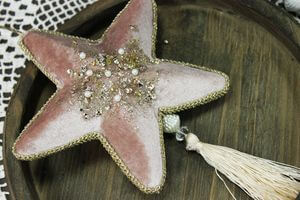 Ružová závesná hviezda so strapcom 14cm