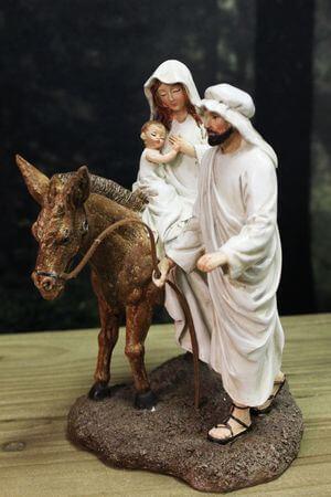 Krémovo odetá svätá rodinka s hnedým oslíkom 20cm