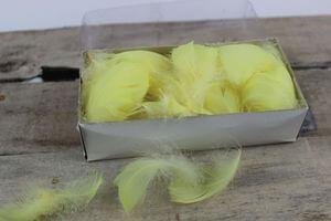 Žlté dekoračné perie