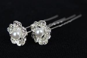 Strieborné kvetinkové spony s perlou 12 ks