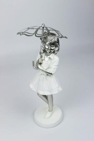 Bielo strieborná dekoračná figúrka dievčatka 29cm