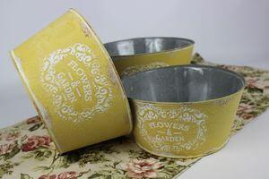 Žleté okrúhle plechové vintage kvetináče 3-set
