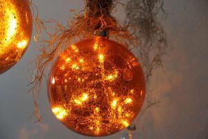 Medená svietiaca vianočná guľa 15cm