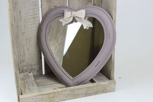 Pastelové vintage zrkadlo v tvare srdca