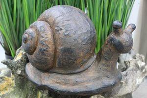 Hnedý slimák do záhrady 43cm