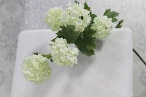 Biele umelé viburnum s listami 93cm