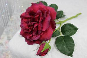 Červená umelá anglická ruža s pukom 36cm