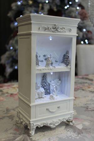 Biela svietiaca dekoračná skrinka 25cm