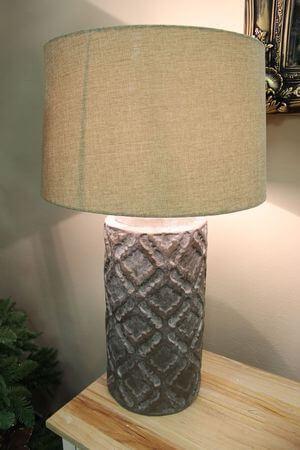 Starohnedá patinovaná lampa s jutovým tienidlom