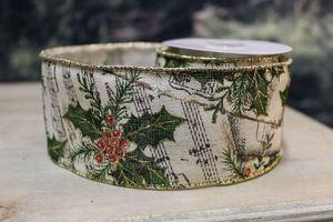 Krémová vianočná stuha so zeleným vzorom 6cm x 10m