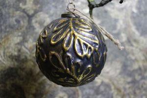 Zlato čierne vianočné gule s tmavou patinou 4ks