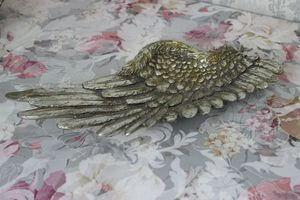 Starostrieborná misa v tvare krídla s patinou