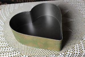 Zeleno hrdzavá nádoba v tvare srdca 26cm