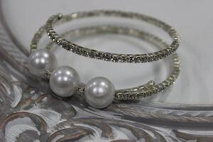 Strieborný  krúžok na servítky s 3 perlami