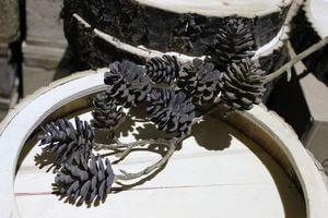 Hnedé umelé šišky na hnedom konáriku 45cm