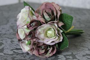 Starofialová umelá kytička z ruží 23cm